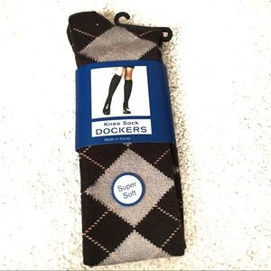 Dockers' Brown Argyle Knee High Socks